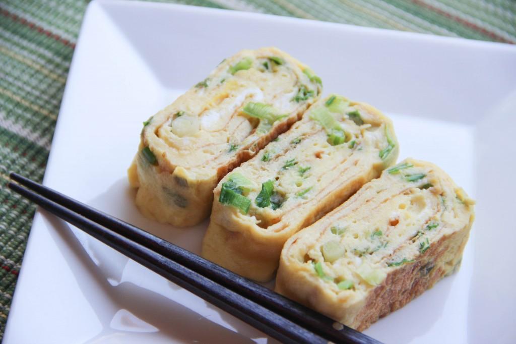 Tamagoyaki with Green Onions Recipe
