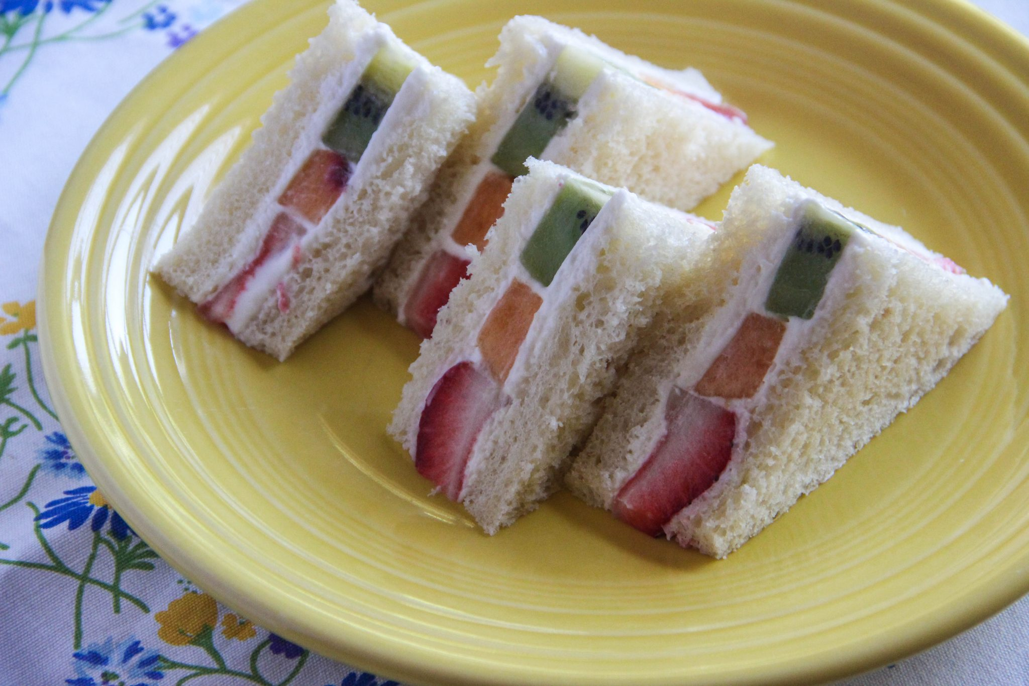 how to cut fancy sandwiches